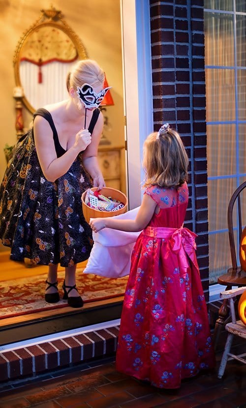 trick or treating at front door
